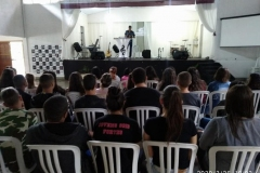 06-acampadentro-jovem-2020